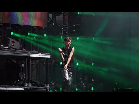 Troye sivan there for you ft Martin garrix live performance coachella 2017