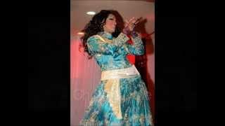Sundari -The Indian Goddess performing to Gup Chup Gup Chup song - Karan Arjun