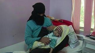 В Йемене дети умирают от холеры и голода - world(В охваченном гражданской войной Йемене распространяется эпидемия холеры. Первые случаи заболевания были..., 2016-10-28T21:31:57.000Z)