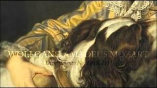 Play Divertimento No. 11 For Oboe, 2 Horns & Strings In D Major, K. 251