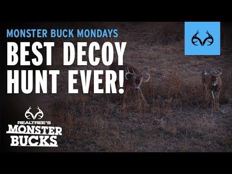 Decoy Brings in Kansas Giant | CRAZIEST Hunt Ever!