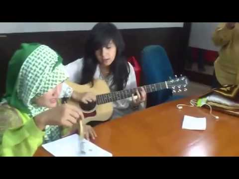 Review Fatin Shidqia Lubis feat Non Dera 'Pumped Up Kicks Foster' Indonesian Idol