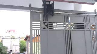 Cổng Lùa Treo Gắn Motor Chạy Tự Động