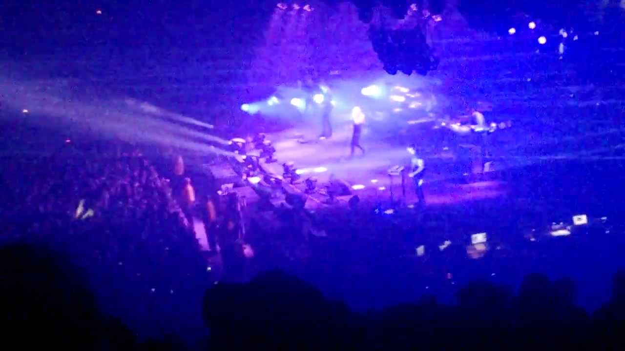March of the pigs/Piggy Nine inch nails live tension 2013 cleveland ...