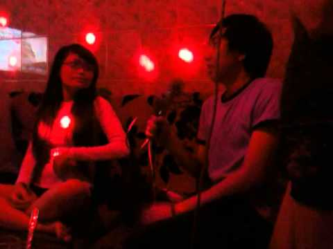 Bạn tui hát Karaoke...