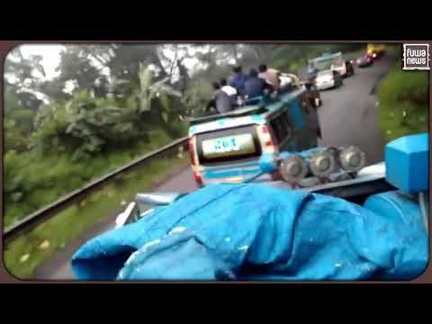 Cuma Di Indonesia, Sopir Bis   Bus Berani  Seperti Ini Only Happens in Indonesia - Fuwa news