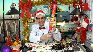 Cortando y abriendo adornos de Navidad - Qué Hay Dentro?
