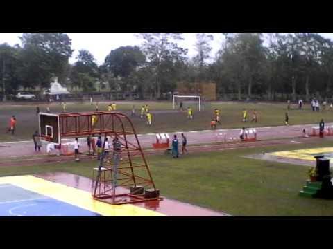 Palarong Bicol 2016 Football Secondary Naga City (yellow) vs Iriga City (red)-First Half