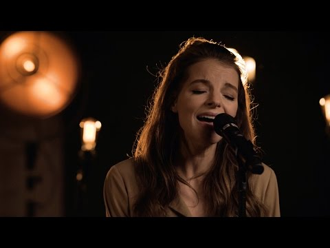 Yvonne Catterfeld - Guten Morgen Freiheit (Akustik Video)