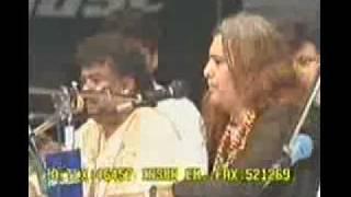 Bhar Do Jholi Meri Ya Mohammad Rare Video
