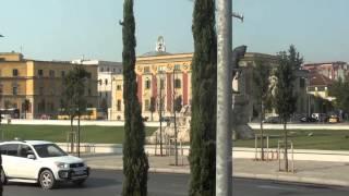 TIRANA - ALBANIA(Tirana - przez długie lata była jedynym dużym miastem Albanii i zarazem jej stolicą. Kraj zacofany gospodarczo i kulturalnie odbiegał od reszty Europy., 2015-01-09T22:33:38.000Z)