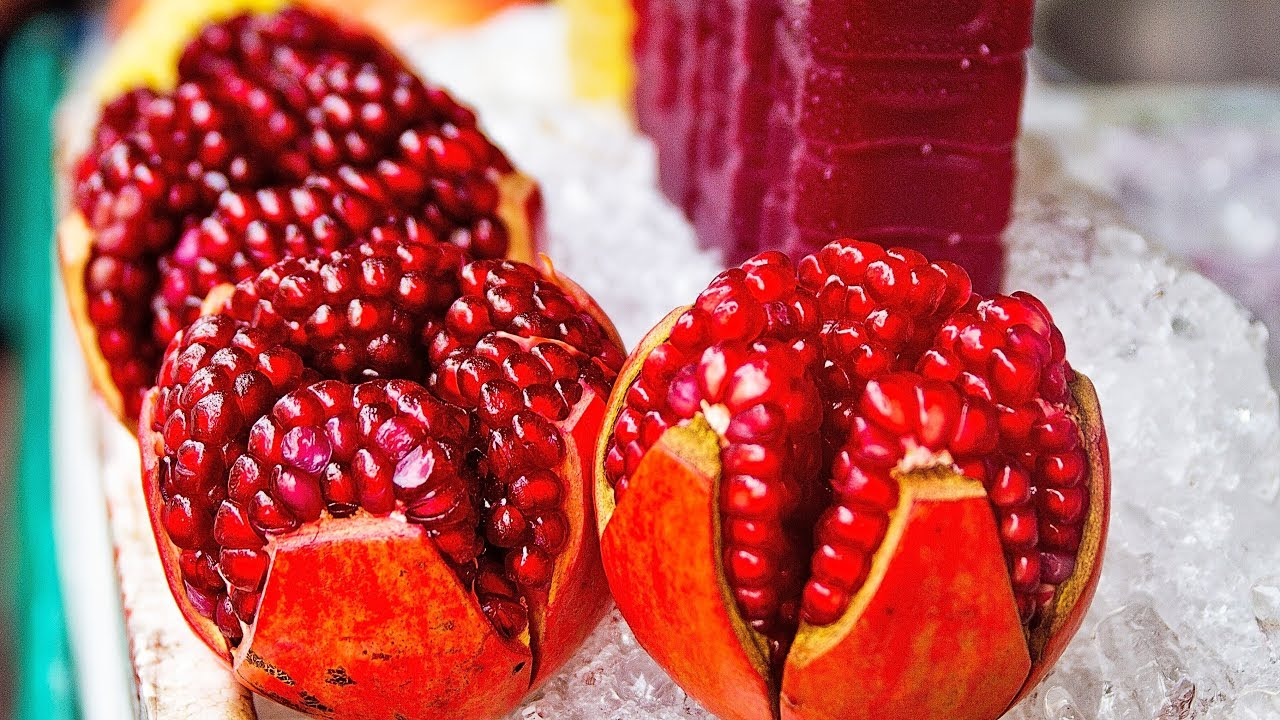 Best way to cut pomegranate