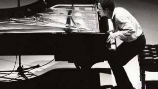 """keith jarrett trio """"I fall in love too easily The fire Within"""" II part"""