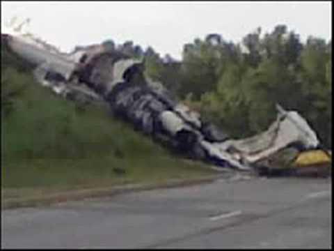 Travis Barker of Blink182 Critically Injured in Plane ...