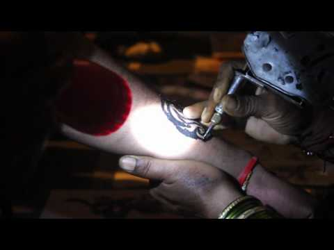 Road Side Tattoo Art Around Pune In Ganpati Festival