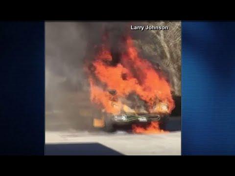 Autobús escolar con 40 personas se incendia en South Carolina
