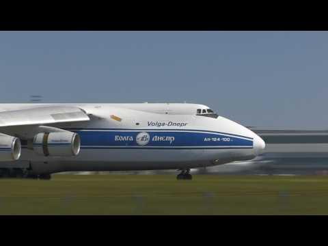 AN 124 lands in Prague, 28.5.2017