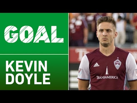 GOAL: Kevin Doyle scores spectacular diving header!