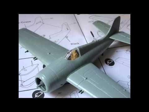 F4F-4 U.S: Navy Fighter--Academy Hobby Model Kits--E-1:72