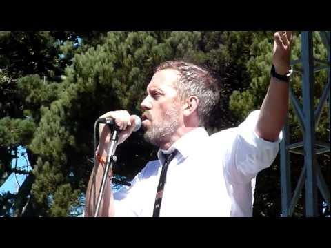 Hugh Laurie ( House ) - Battle of Jericho live @ Hardly Strictly Bluegrass Festival FRONT ROW