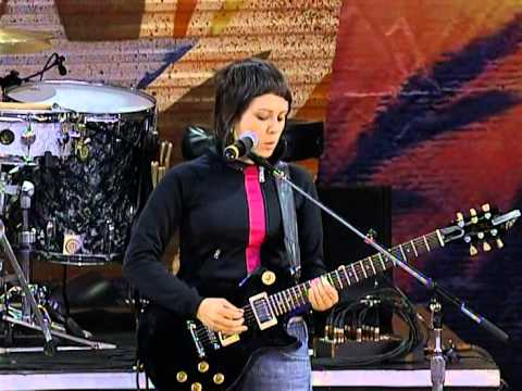Tegan and Sara - Not Tonight (Live at Farm Aid 2004)