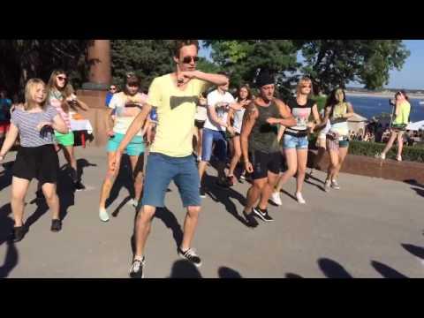 Видео, MOS Флешмоб на Фестивале красок Холи