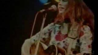 Watch Emmylou Harris Jambalaya video