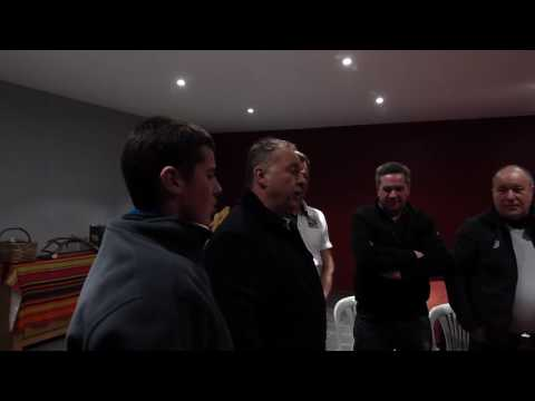 Chant en Basque en l'honneur de Laurent Fouquet et Thierry Pian