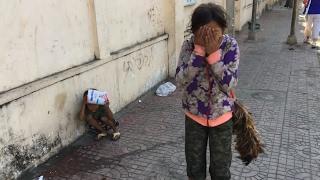 Little girl on the street (Cambodia 2) 街上的女孩