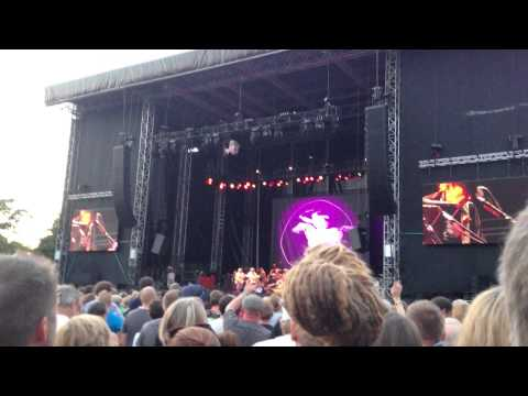 Neil Young & Crazy Horse: Sedan Delivery, Live Helsinki 2013