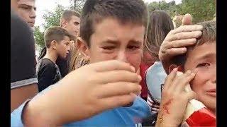 Tensionohet protesta për shkollën, fëmijët qajnë të gjakosur