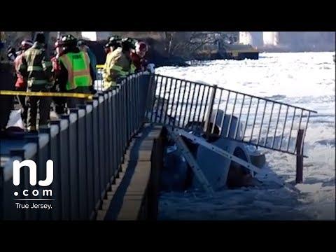 911 calls following car crash in frozen Delaware River