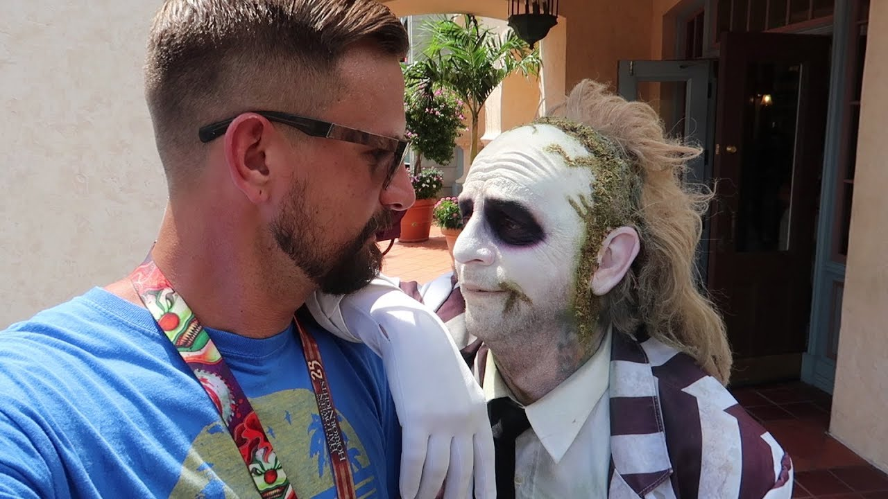 what-s-new-at-universal-orlando-this-week-lights-characters-hhn-updates