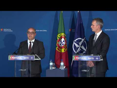 NATO Secretary General with the Minister of Defence of Portugal, 26 JAN 2018