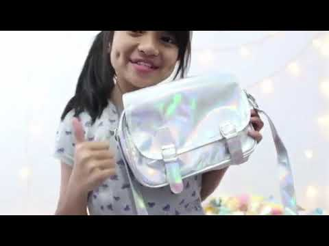 HOLOGRAM BACKPACK REVIEW 2017💖💖 |NEKO MARINE REVIEW 💞| TAS KEKINIAN?? | WHATS IN MY BAG?💞|