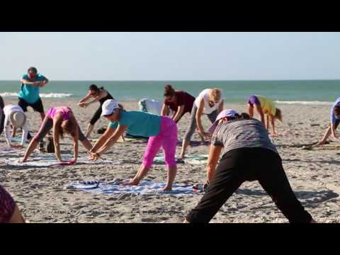 Sarasota Life: Yoga on Venice Beach