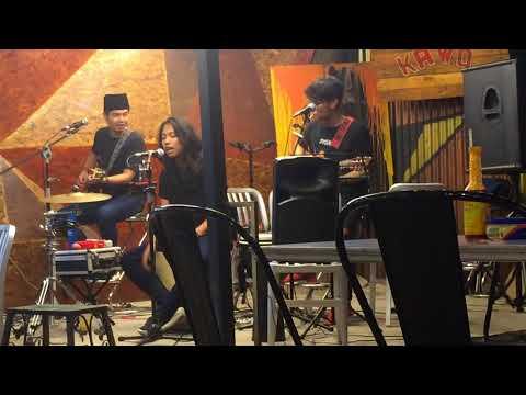 Tiara - Acoustic Cover by Suwara