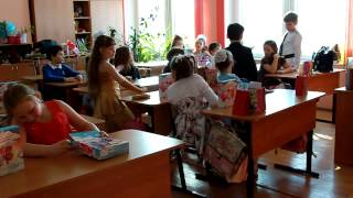 видео 8 Марта - подарки девочкам!