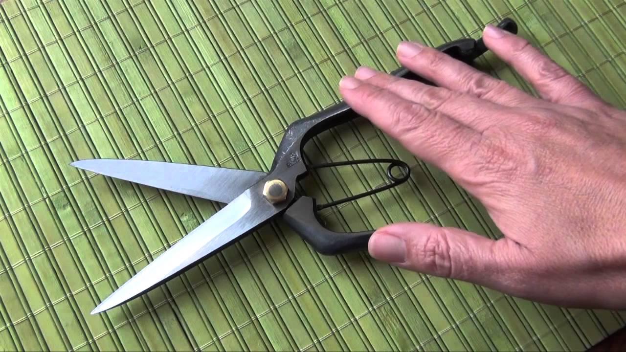 Genial Japanese Pruning Shears   Japanese Secateur Scissors   YouTube