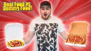 Minecraft Vlog - REAL FOOD vs GUMMY FOOD CHALLENGE!!