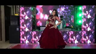 Sonam Kapoor Performance on Lo Chali Main Apne Dewar Ki Baraat Lekar -  at Akhil's Shagan Ceremony !