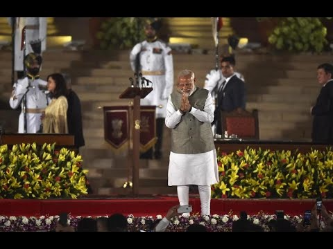 Celebs, foreign dignitaries grace PM Modi's swearing-in ceremony Mp3