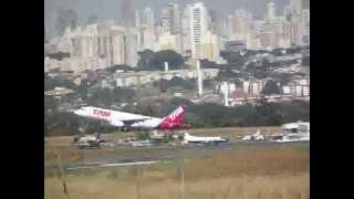Airbus A320 TAM decolagem Aeroporto Santa Genoveva, Goiânia.