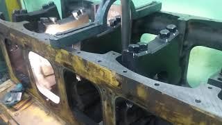 Alésage en ligne après metallisation des paliers d'un bloc moteur Caterpillar 3512