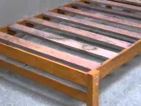 Tarima en madera capirona youtube for Como hacer una cama de madera