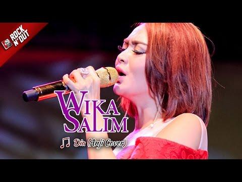 Wika Salim Nyanyiin Lagu Anji - Dia Jadi Versi Dangdut [Live Konser di Bulukumba]