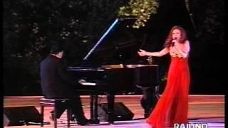 Milva canta Mikroutsikos, live 1995