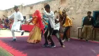 विनोद एंड उसकी टीम ने ओलवी स्कूल में  जमकर डांस किया