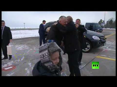 شاهد بالفيديو.. بوتين يحقق أمنية طفل روسي مريض  - نشر قبل 8 ساعة