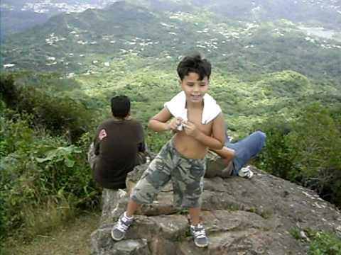 En la cima del Cerro Guilarte,en Adjuntas, P.R.